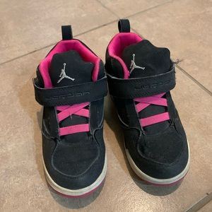 Black Air Jordans size 10 toddlers with pink 💖